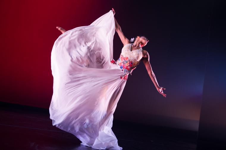 Ballet Hispanico in Con Brazos Abiertos