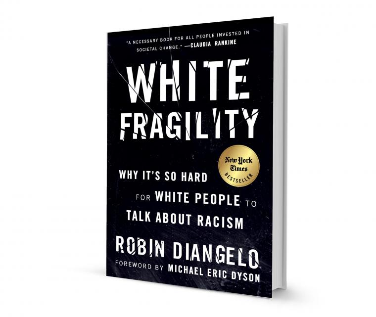 """Book Cover: """"White Fragility - Why it's so hard for white people to talk about racism"""" by Robin DiAngelo Forward by Michael Eric Dyson"""