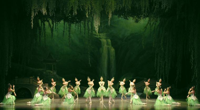 Photo courtesy of Shanghai Ballet.